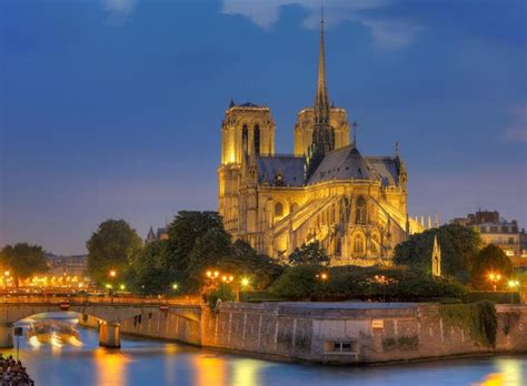 boat tour paris night dinner near the chs elysees seine river cruise and