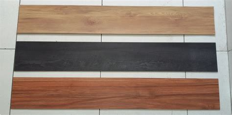 Lantai Vinyl Daeji 3mm harga vinyl lantai motif kayu