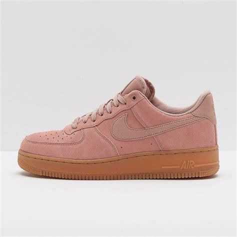 Sepatu Sneakers Suede 1 sepatu sneakers original nike air 1 07 lv8 suede