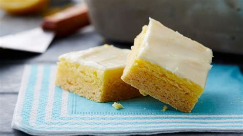 cheesecake topping bar lemon cheesecake bars recipe bettycrocker com