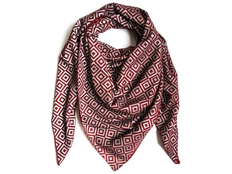 New Home Design Books by The Ishu Privacy Scarf Is Hollywood S New Favorite