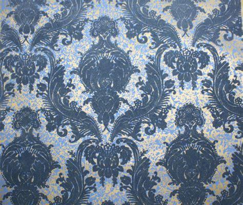 blue velvet wallpaper 1970 s vintage wallpaper retro flocked wallpaper blue