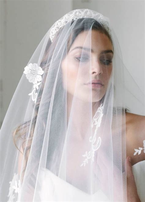 Wedding Hairstyles With Mantilla Veil by Top 8 Wedding Hairstyles For Bridal Veils