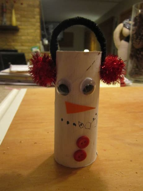 Snowman Toilet Paper Roll Craft - toilet paper roll snowman munchkins and