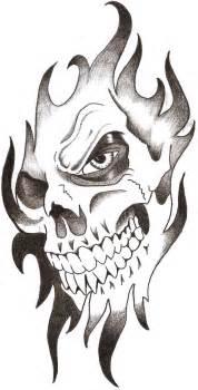 tattoos on foot simple skull tattoo designs 1000 ideas about simple skull drawing on pinterest simple skull