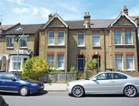 3 bedroom end of terrace house for sale in woodville road