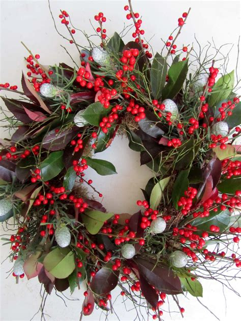 images of christmas greenery best 25 christmas wreaths ideas on pinterest christmas