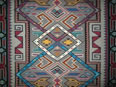 rug weaver navajo rug teec nos pos weaving rug