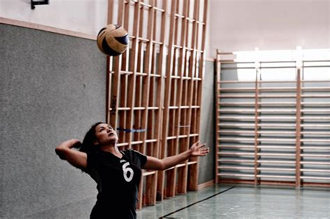 volleyball setter drills to do at home at home volleyball drills beach volleyball training drills