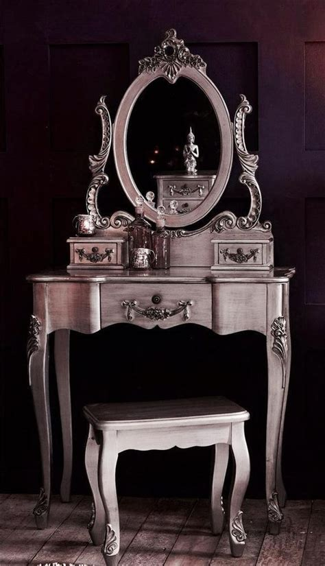 Antique Desk With Mirror by 25 Best Ideas About Vintage Dressing Tables On