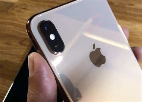 iphone xs xs max review 8 times faster upgraded improved water resistance the