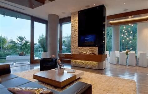 bill gates living room inside the home of world s richest man 16 rare photos