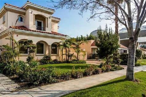 l a s top 10 priciest neighborhoods