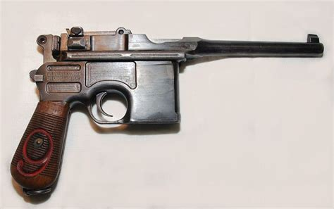 libro the broomhandle mauser weapon slasher s mauser red 9 slasher mcgoogs the cat behind the mask models it is