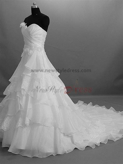 Tiered Flowers Zipper-Up Strapless A-Line Modern Chapel Train Built-in Bra wedding dresses nw-0005
