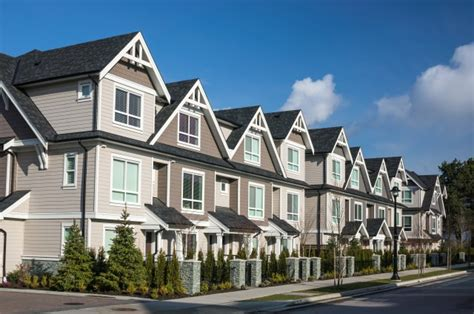 Multifamily House by Townhouse Vs House The Differences Between A Townhouse Vs