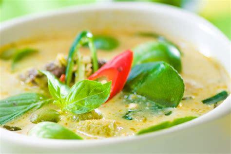 thai kitchen green curry chicken around the world thai style green chicken curry humble