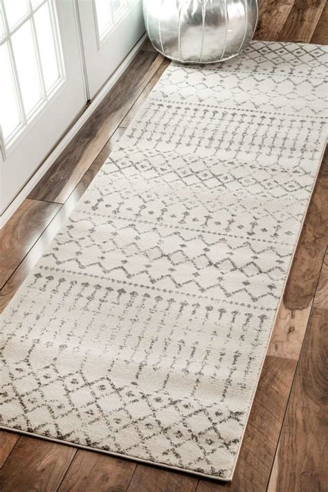 farmhouse style rugs 25 best ideas about rustic area rugs on living room area rugs living room styles
