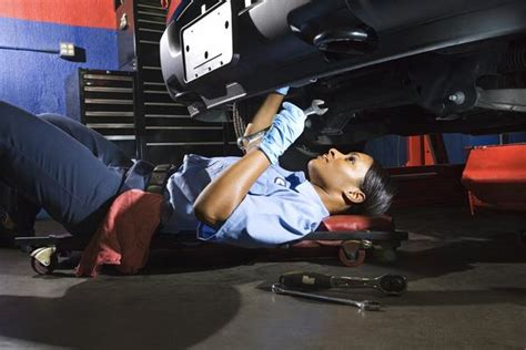 Toyota School For Mechanics Bmw Motor Mechanic Apprenticeship Or Learnership