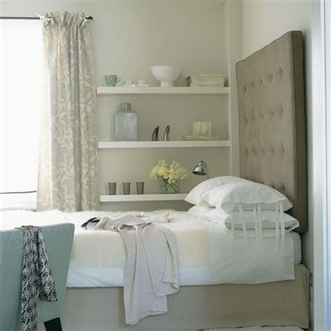 maximize a small bedroom love the clever addition of wall ledges to maximize space in this small bedroom