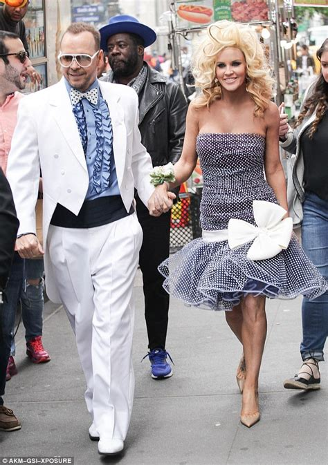 jenny mccarthy prom jenny mccarthy and donnie wahlberg hit times square in