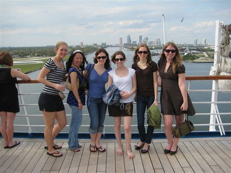 bachelorette boat cruise nyc 33 spectacular bachelorette party ideas ultimate bridesmaid