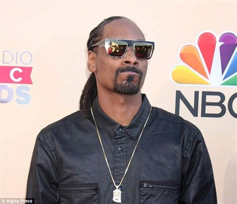 Does Snoop Dogg A Criminal Record Trooper Billy Poses With Snoop Dogg At South By Southwest And Is Told To