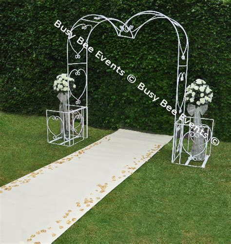 Wedding Arch With Drapes by Wedding Arch Ceremony Decor Ideas Mirror Pedestals