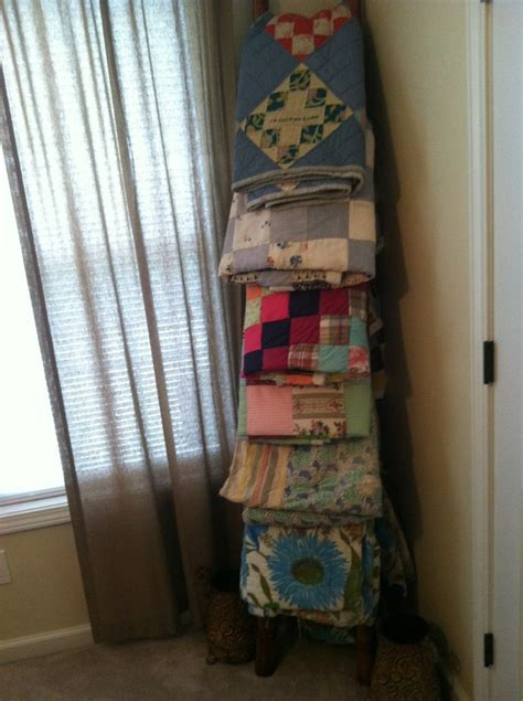 blanket ladder diy for flat pinterest wooden ladder with quilts our house pinterest quilt