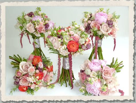 wedding flowers country style country wedding flowers with simpicity and style with