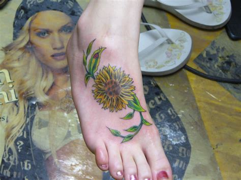 sunflower foot tattoo small sunflower on foot www imgkid the