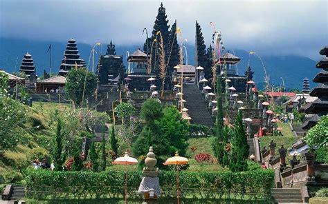 bali hindu temple   degraded  tourism efforts