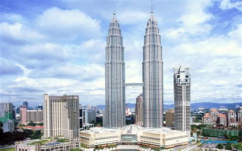 KL Tower And Petronas Twin Towers Picture