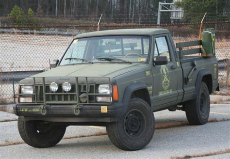 zombie response jeep zombie hunting jeep comanche for sale on ebay geekologie