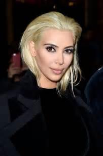 Kim kardashian platinum blonde hair balmain fashion show in paris