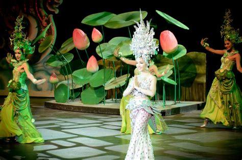 Tiket Collosseum Show Pattaya Deluxe Seat Thailand alcazar colosseum cabarets