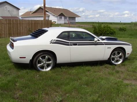 challenger louvers rear louver installed page 5 dodge challenger forum