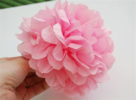 Easy Flower With Tissue Paper - easy tissue paper flowers gettin crafty