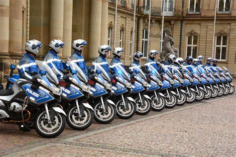 Bmw Motorrad Gebraucht Polizei bmw motorrad 252 bergibt 44 bmw r 1200 rt an die polizei