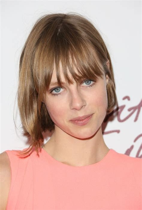 do fringes look tidy on older women 25 best fringe hairstyles to refresh your look