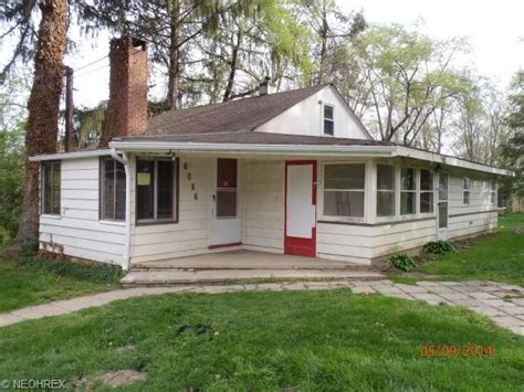 houses for sale olmsted falls ohio 6086 lewis rd olmsted falls ohio 44138 detailed property