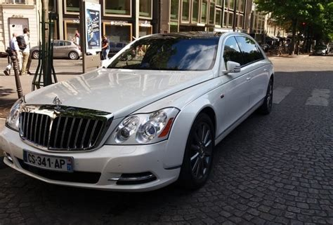 how to learn about cars 2011 maybach landaulet seat position control exotic car spots worldwide hourly updated autogespot maybach 62 s landaulet 2011
