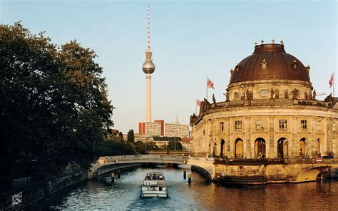 berlin the best of berlin for stay travel books berlin s best vegetarian restaurant is a speakeasy with