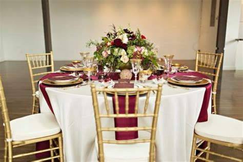 burgundy and gold decorations 27 timeless burgundy and gold fall wedding ideas
