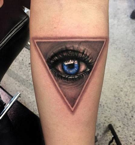 tattoo ink in eyes chronic ink tattoo toronto tattoo realistic eye tattoo