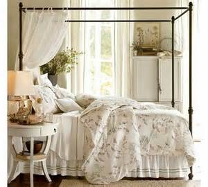 Canopy Beds Decorating Ideas What Bracket For Curtain Canopy Bed Room Decorating