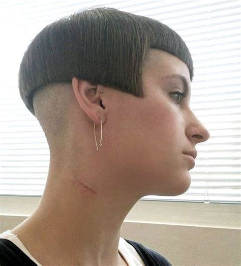 bobbed haircut with shingled npae shaved nape bobs and what s the on pinterest