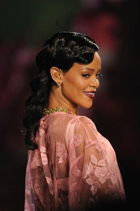 Rihhana Fashion Secrets Revealed by Rihanna Photos 2012 S Secret Fashion Show