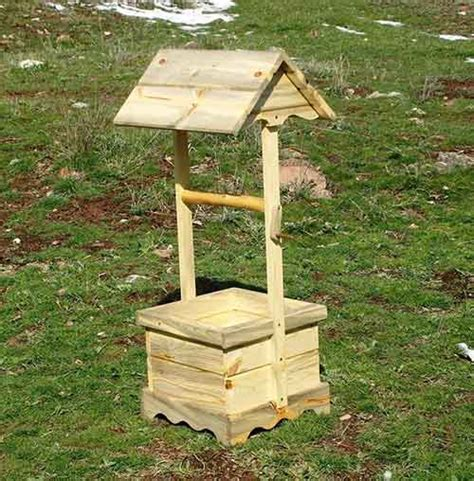 How To Build A Wishing Well Planter by How To Make A Wishing Well Planter Garden Ornament