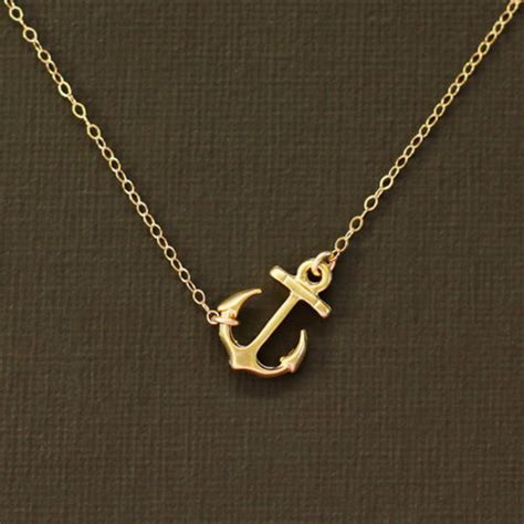 Get Kidmans Look A Gold Anchor Charm Necklace by Jewels Gold Necklace Anchor Wheretoget